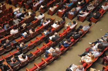 garantia_29_08_header-assembleia-em-um-consórcio