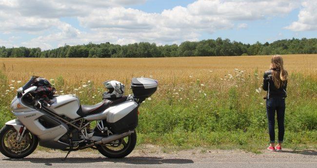 Viajar de moto: 8 dicas para ter conforto e segurança
